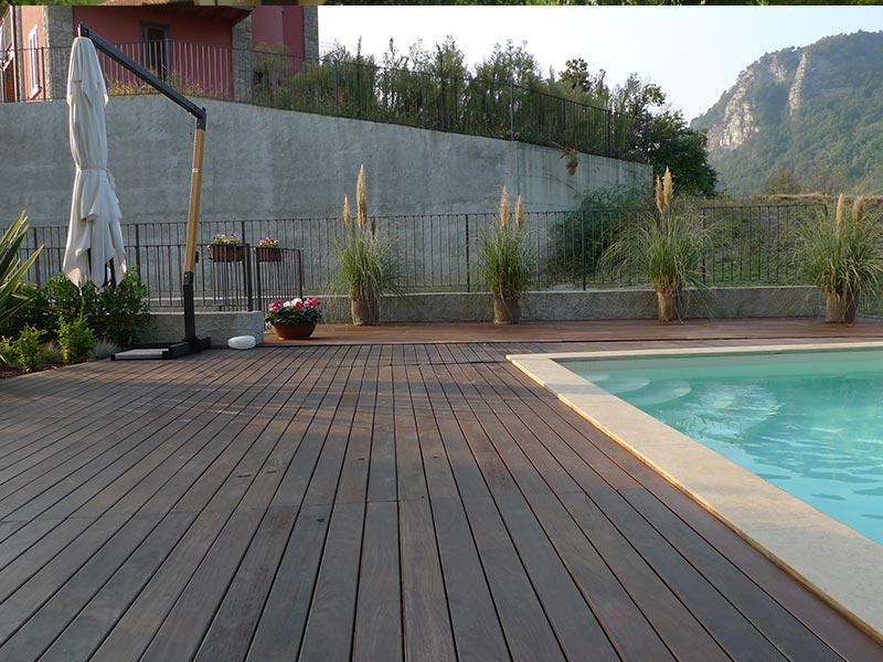 Listoni per esterno losa legnami - Pavimenti bordo piscina in legno ...